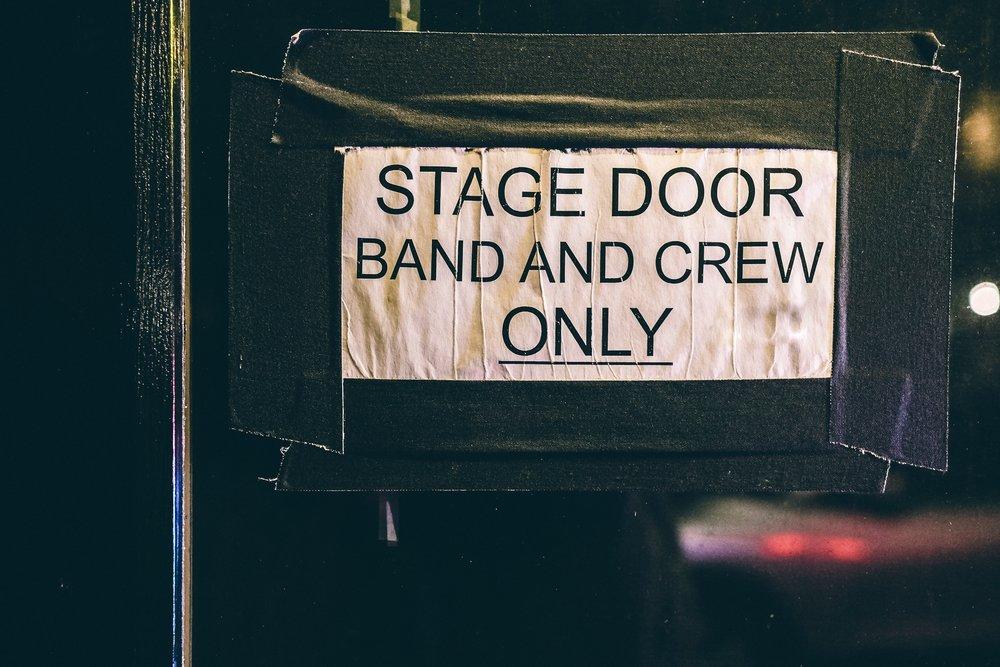 Vad krävs av dig som aspirerande tekniker för att komma in i de scen-, event- och teatertekniska finrummen?