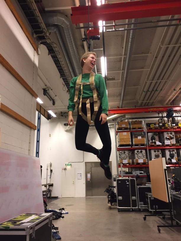 Najomi Brezina studerar just nu andra året på YRGO:s teater-, event- och scenteknikerprogram.