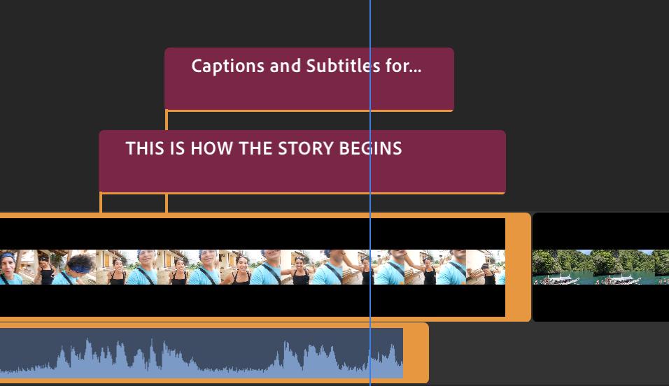 Notera hur textblocken har klamrat sig fast vid respektive klipp och följer med när man flyttar klippet.