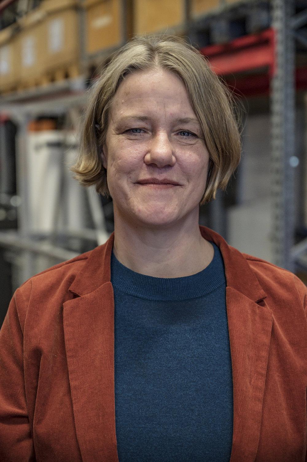 Vi måste våga lita på våra ögon och den specialistkunskap vi har, vi måste lita på det vi ser, menar Anna Wemmert Clausen, ljusdesigner scenkonst.