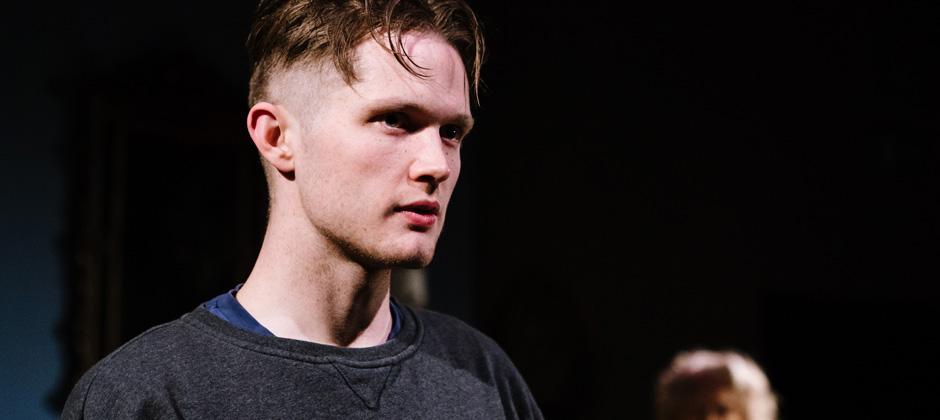 Davey (Thomas Mahy)