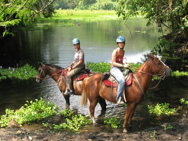 horseback-riding-Costa-Rica.jpg