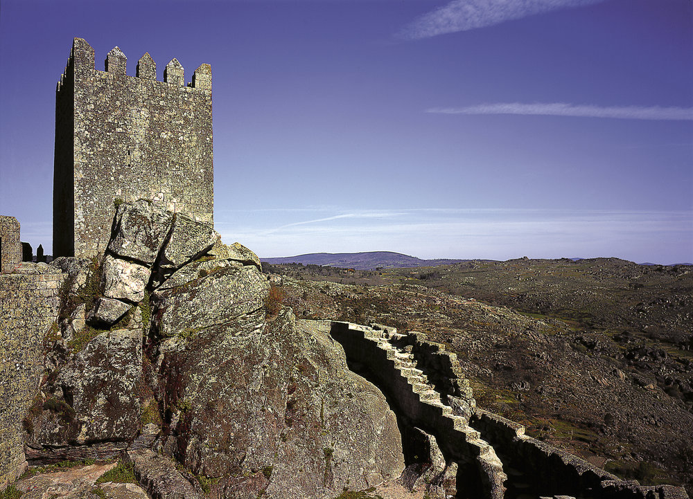 Castle and landscape, Sortelha, Sabugal. Guarda Photo - Pedro Aboim.jpg