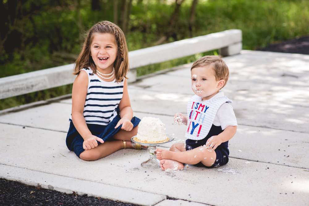 cake smash session in blue bell photographer