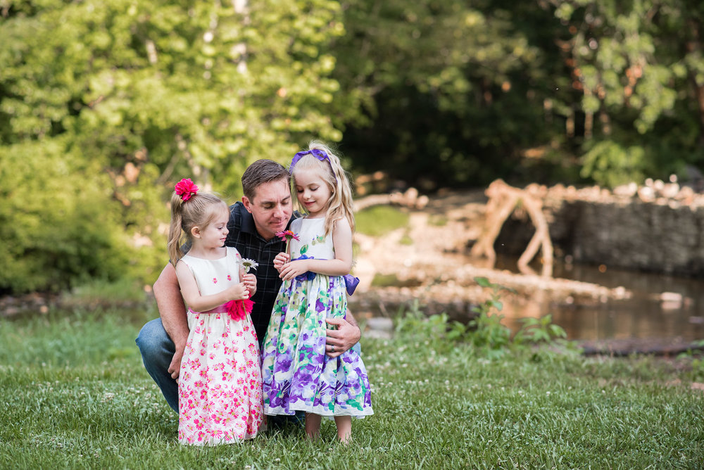fischer park montgomery county photographer dad and daughters