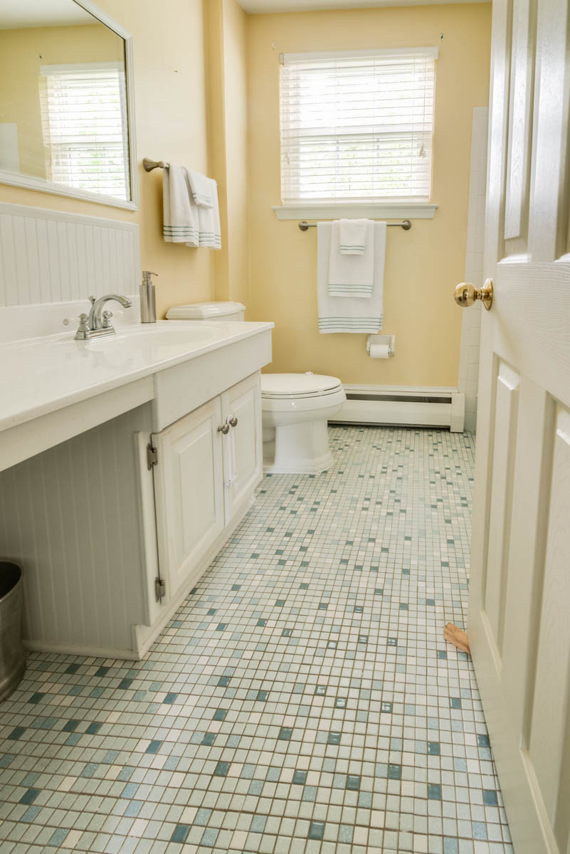 worcester real estate photography master bath