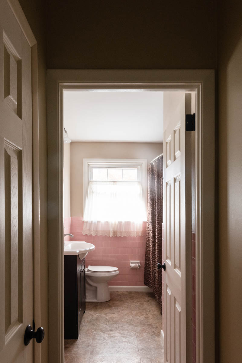 Chalfont listing bathroom