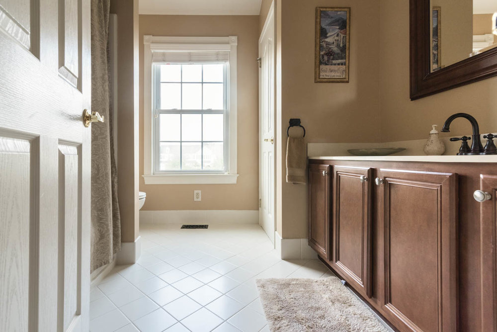north Wales real estate photographer bathroom two