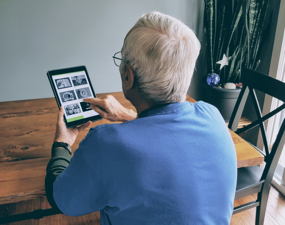 Man using MemorySparx.
