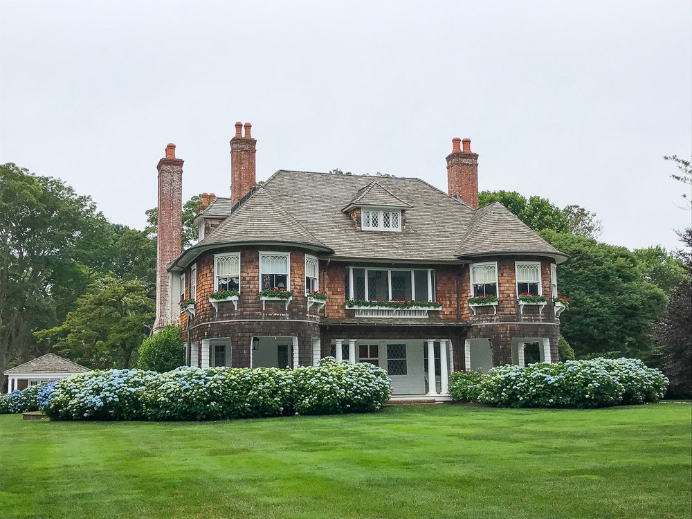 Shingle style perfect... and look at all those chimneys!