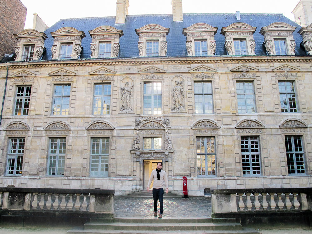 Paris-House1-1.jpg