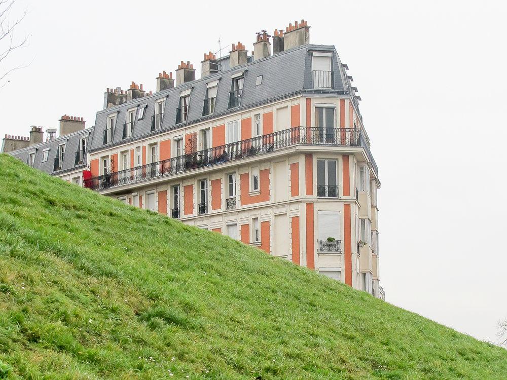 Optical illusion in Montmarte