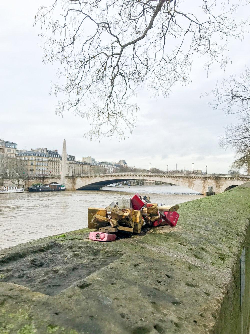 Paris-SeineLocks-1.jpg