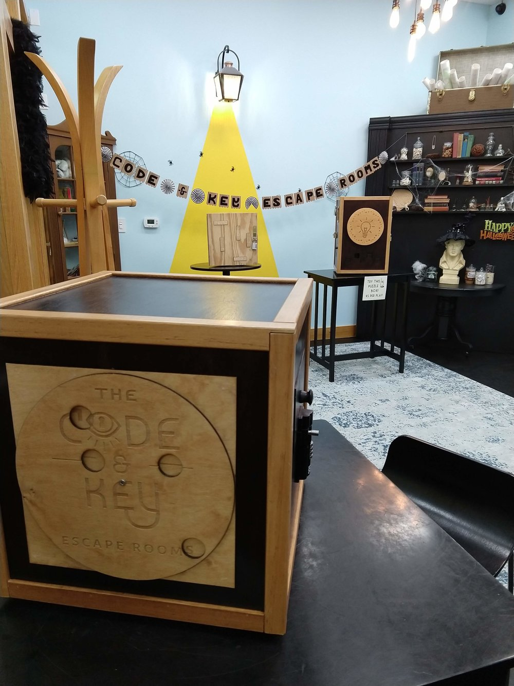 escape rooms puzzle boxes team-building Bloomington Indiana downtown Bloomington family friendly