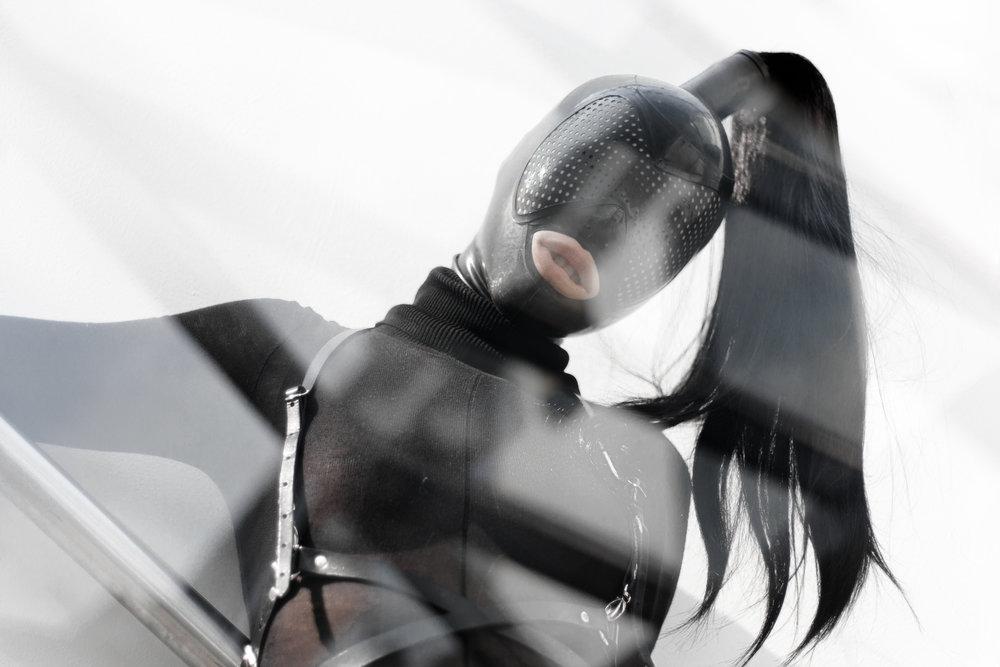 | Dayne Henderson   Cyborg Hood   | la fille d'O   Need Shiver   | Zana Bayne   Snake Harness   | Hopeless Lingerie  Karen Knickers