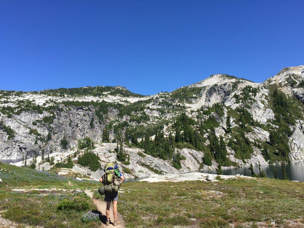 The trail to Robin Lake, PNW hiking