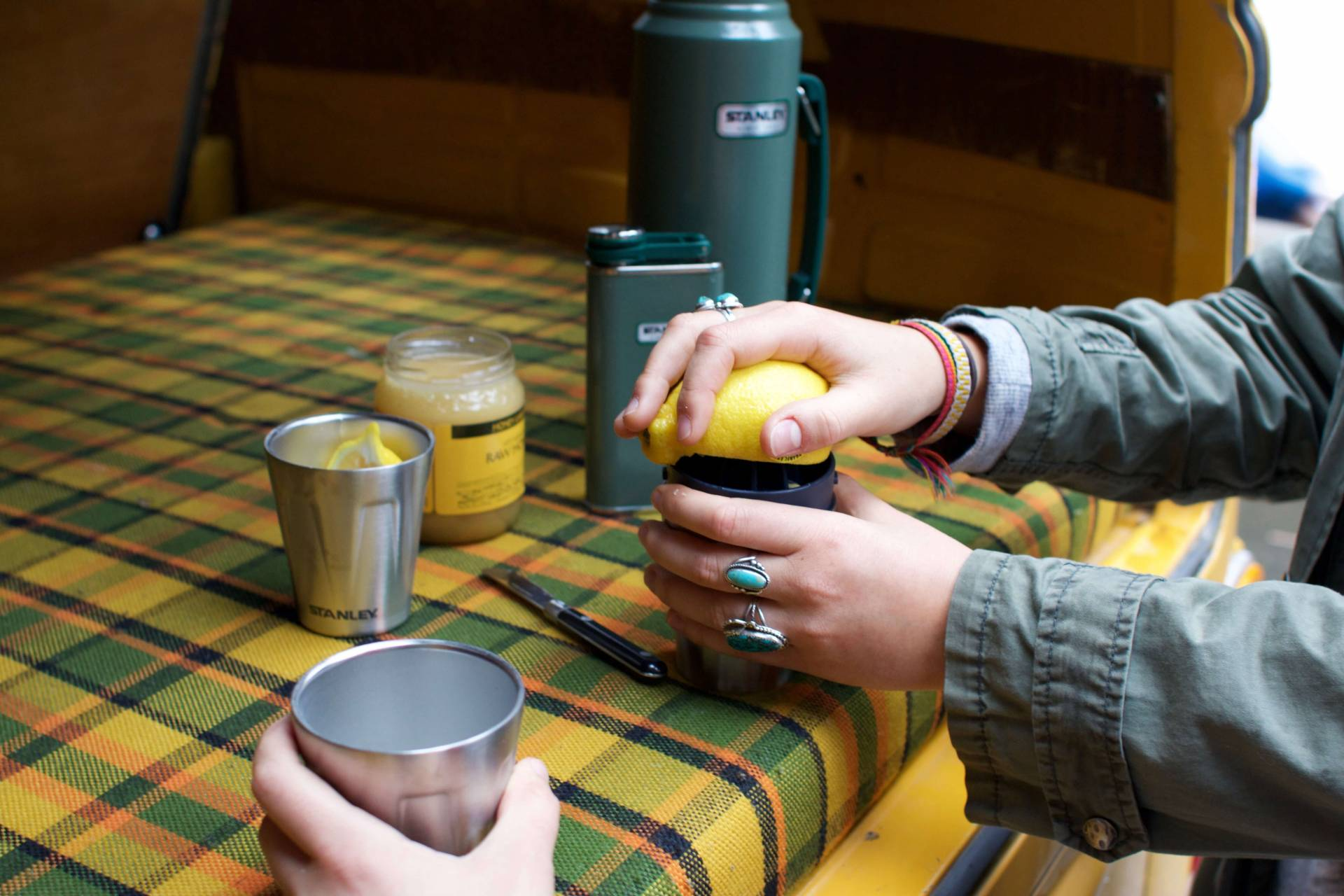 Using Stanley Brand Happy Hour Kit to make hot toddys