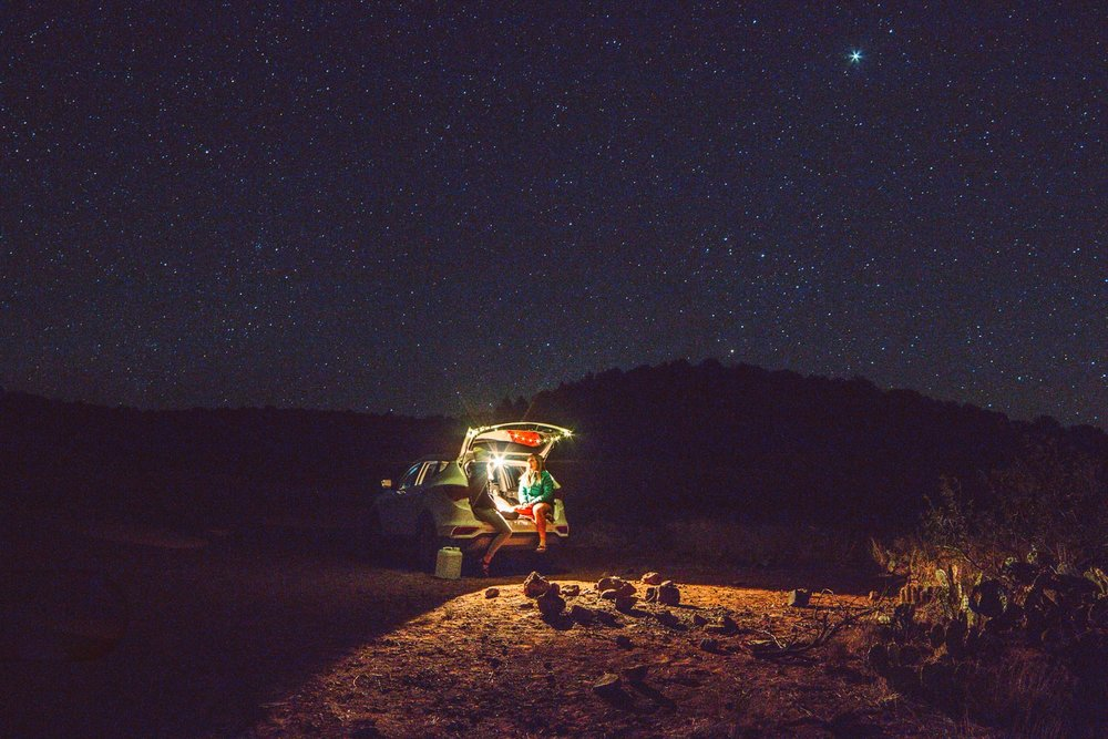 Camping underneath the stars- Sedona, AZ | photo  @howsheviewsit