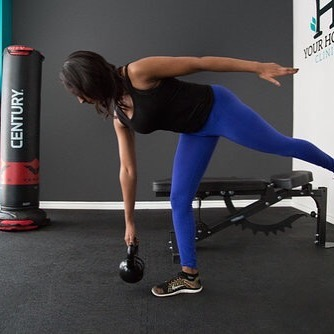 Improve your unilateral function everyday. #fitness #balance #coordination #unilateral #trainer #personaltrainer #personaltraining #kettlebell #kettlebellworkout #lifestyle #workout #exercise #functionaltraining #functionalfitness #clinic #therapy #healthylifestyle #toronto #downtown #bluejaysway #yourhousefitness #yourhouseclinic