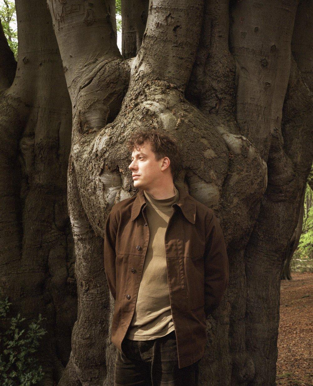 luke_tree_lookaway.jpg
