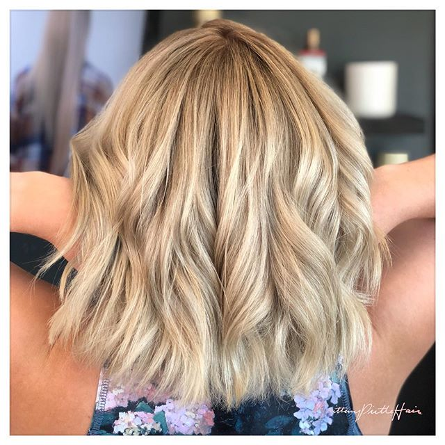 Soft root shadow to blend her natural hair in with her ends. ✨ do y'all love this look? •••• #brittanypirtlehair #dallasgirl #klydewarrenpark #uptowndallas #lakewooddallas #shadowroot #rootyblonde #dallashair #dallastx #dallashairstylist #dallascolorist #eastdallas #shorthair #balayage #dallasbalayage #blondehair #dallasblonde #dfwhairscene