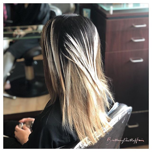 Oh, oh it's magic...✨ •••• #brittanypirtlehair #magic #balayage #hairpainting #dallastx #dallas #dallashairstylist #lowergreenville #uptowndallas #lakewooddallas #eastdallas #hairstylist #hair #balayageartist #dallasbalayage #dallasblonde #dallashair #colormelt #blondehair