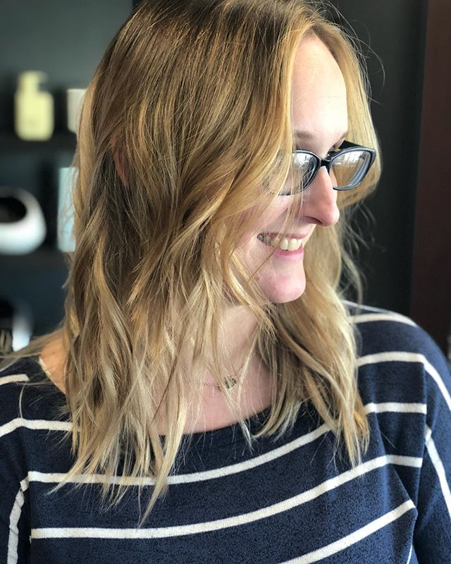 Brandy, welcome to the blonde hair with fun layers group! ✂️: Bradley Pirtle 🖍: Brittany Pirtle •••• #bphairgroup #brittanypirtlehair #bradleypirtlehair #dfwhairscene #balayage #layers #dallas #dallastx #dallashairstylist #balayagehighlights #shaghaircut #shaggylayers #layeredcut #balayageartists #finehair #thinhair #modernsalon #deepellum #uptowndallas