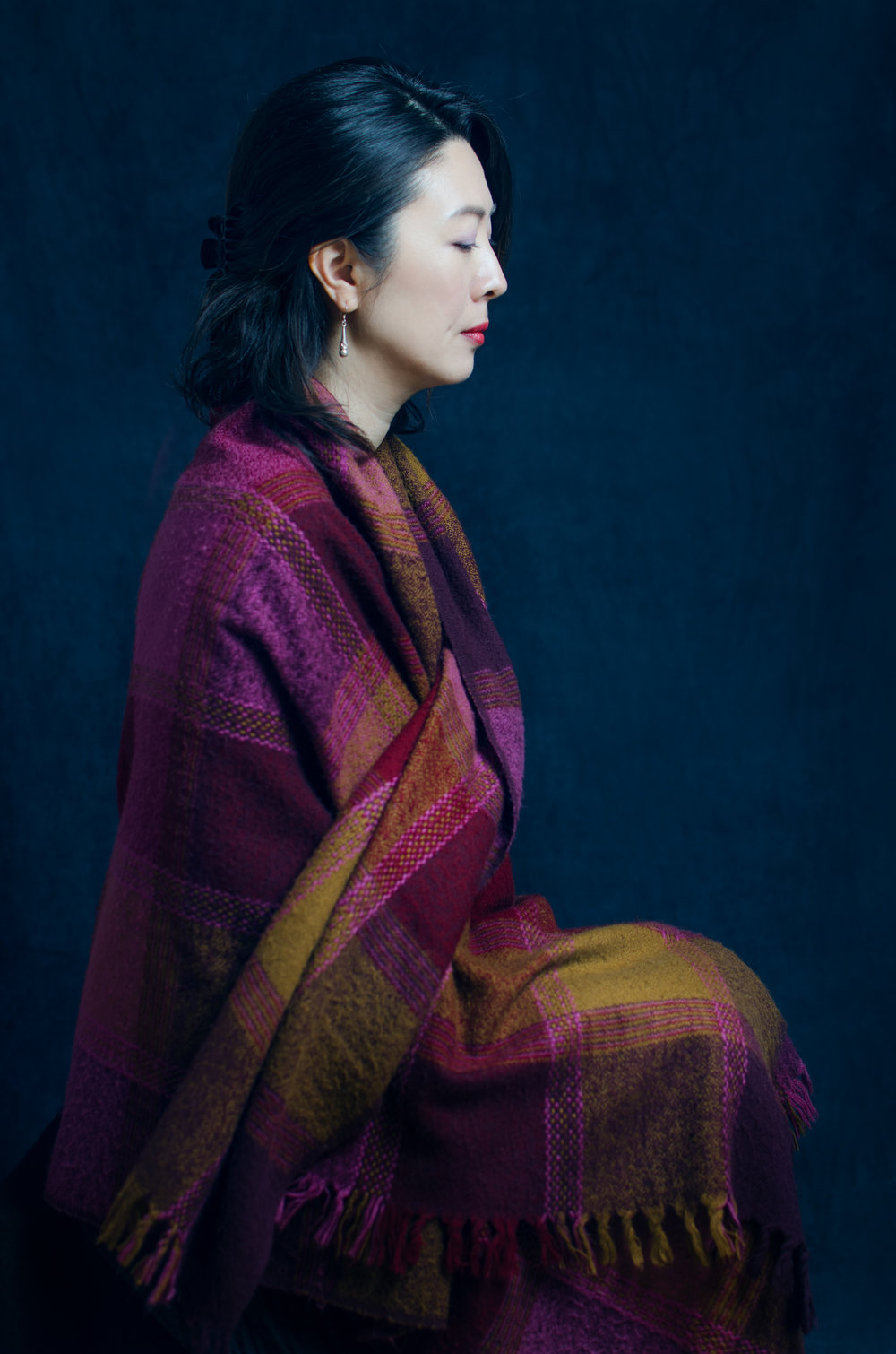 Woman-portrait-zen-scarf