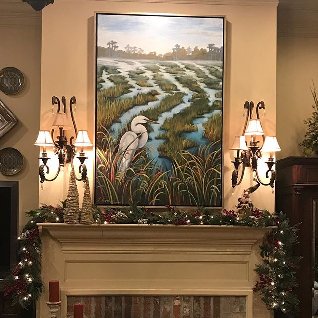 I love to see client's homes all decked out for Christmas!! #tistheseasonforart #christmasmantle #leahmmoraceart #louisianaart #louisianaartist #louisianahomes
