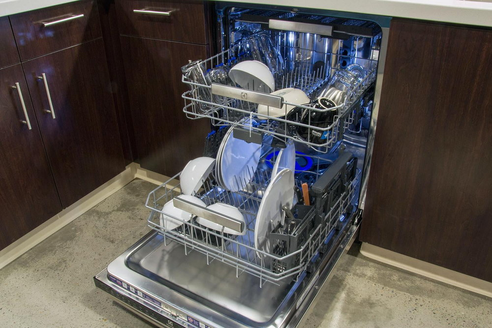 electrolux-ei24id50qs0b-dishwasher-bothracks-1500x1000.jpg