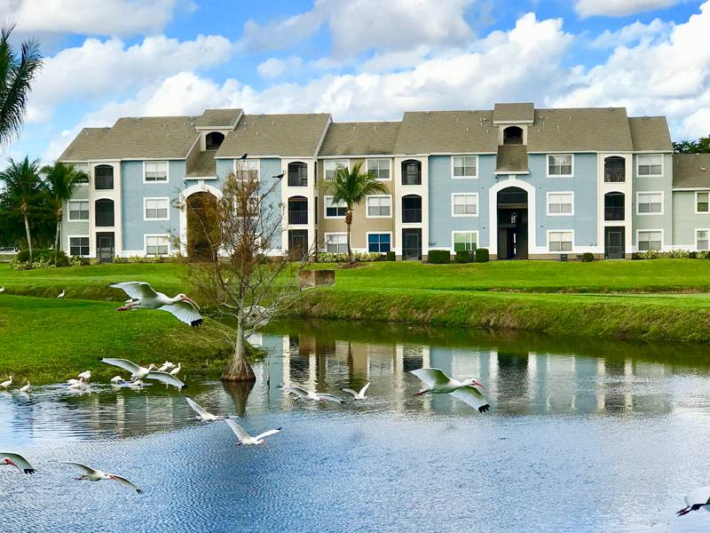Lantana, FL  THE VIEW AT WATERS EDGE APARTMENTS
