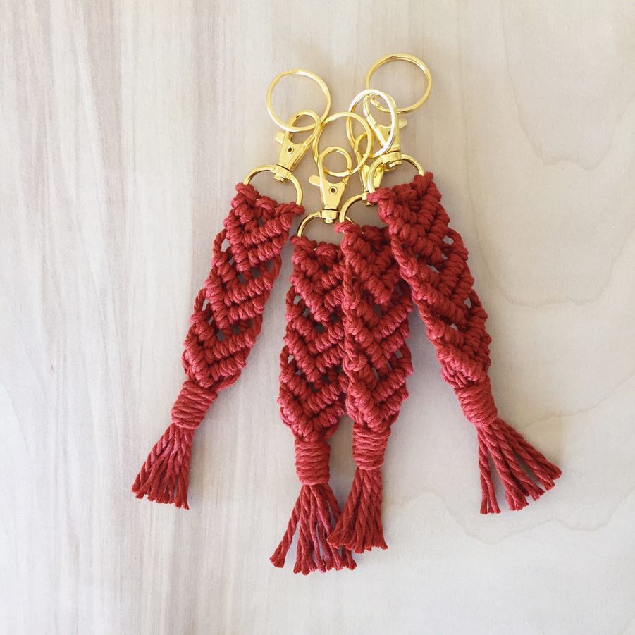 Colored-Macrame-Keychain-14.jpg
