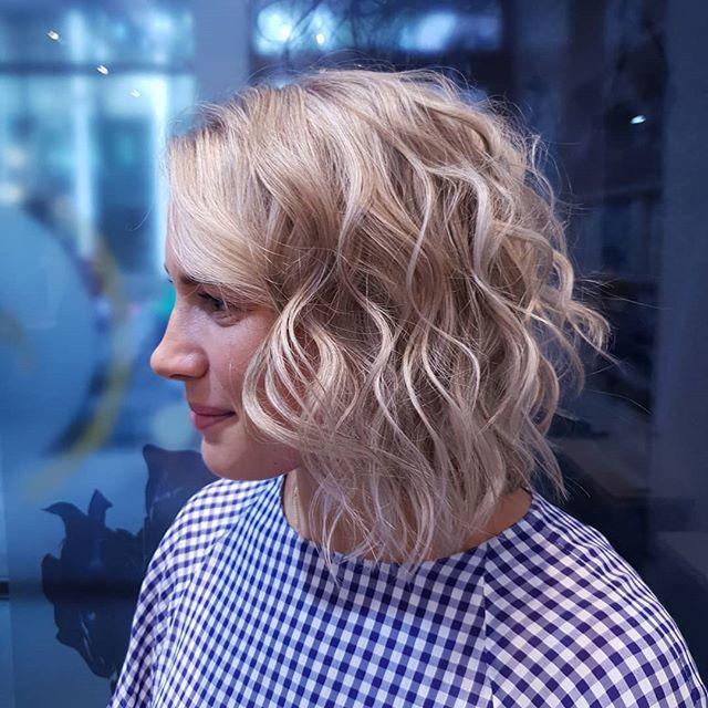 New born Blonde colour @cjcapuano cut/styled @kawadalambert. #peoplehairdressing