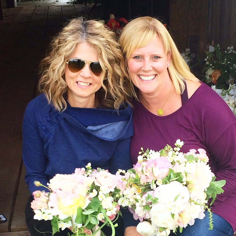 With my flower bestie, Patty.  I know you're reading this...miss you.  xoxo