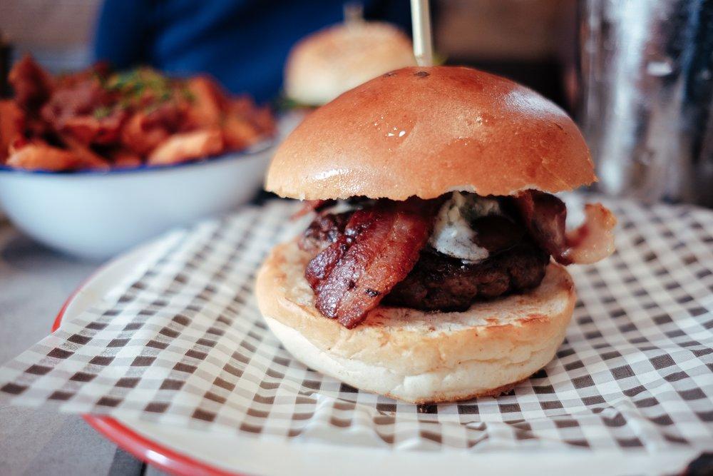 glasgow-breadmeetsbread-burger-1