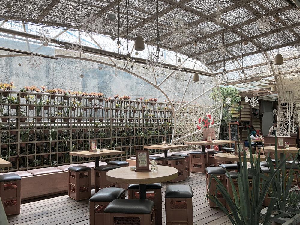 hummingbird-eatery-1