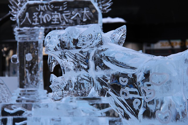 ice-carving-837377_640.jpg