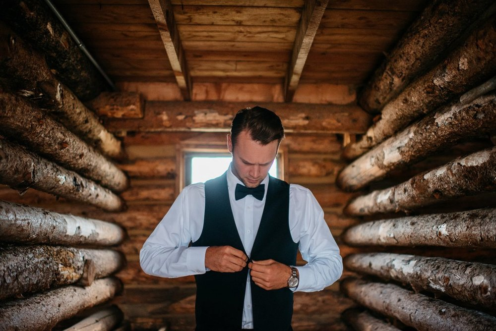 destination wedding photographer at strawberry creek ranch in granby colorado