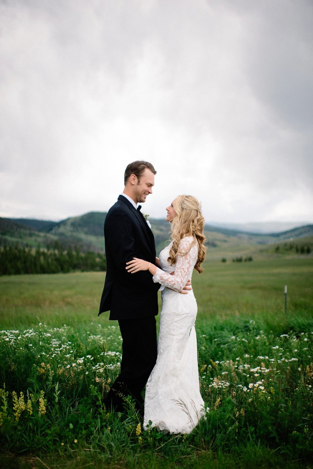 couple destination wedding photography at strawberry creek ranch in granby colorado