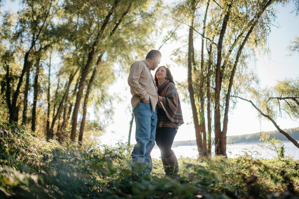 Engagement photography along the Mississippi River near Vicksburg, Mississippi