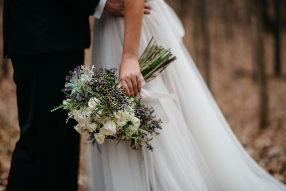 Elopement photography in the woods at Rowan Oak, Faulkner's home, flowers by oxford floral