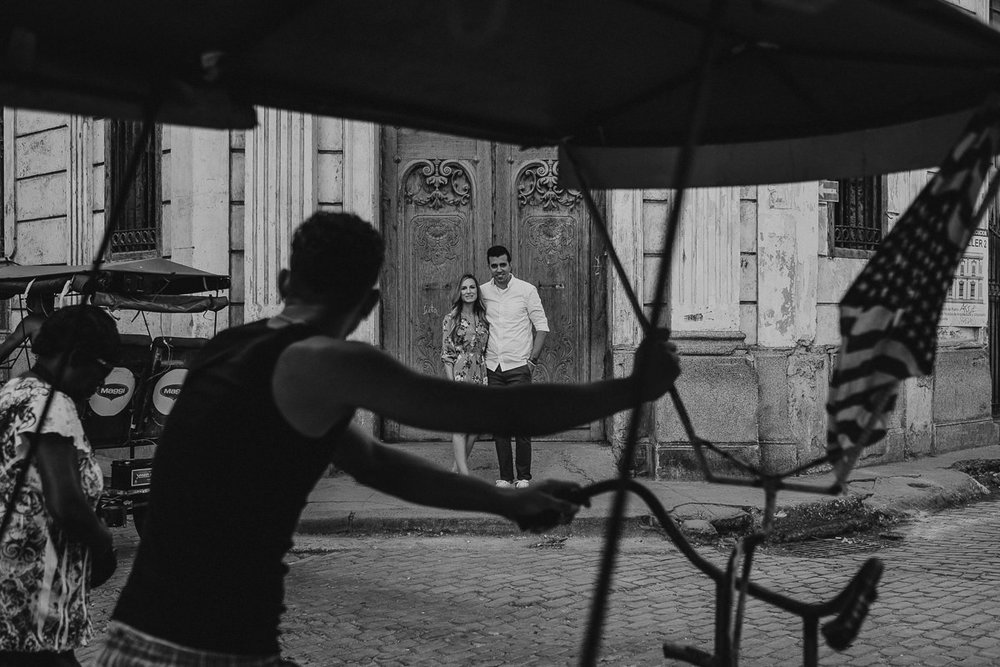 Havana_Cuba_Engagement_Photography_01.jpg