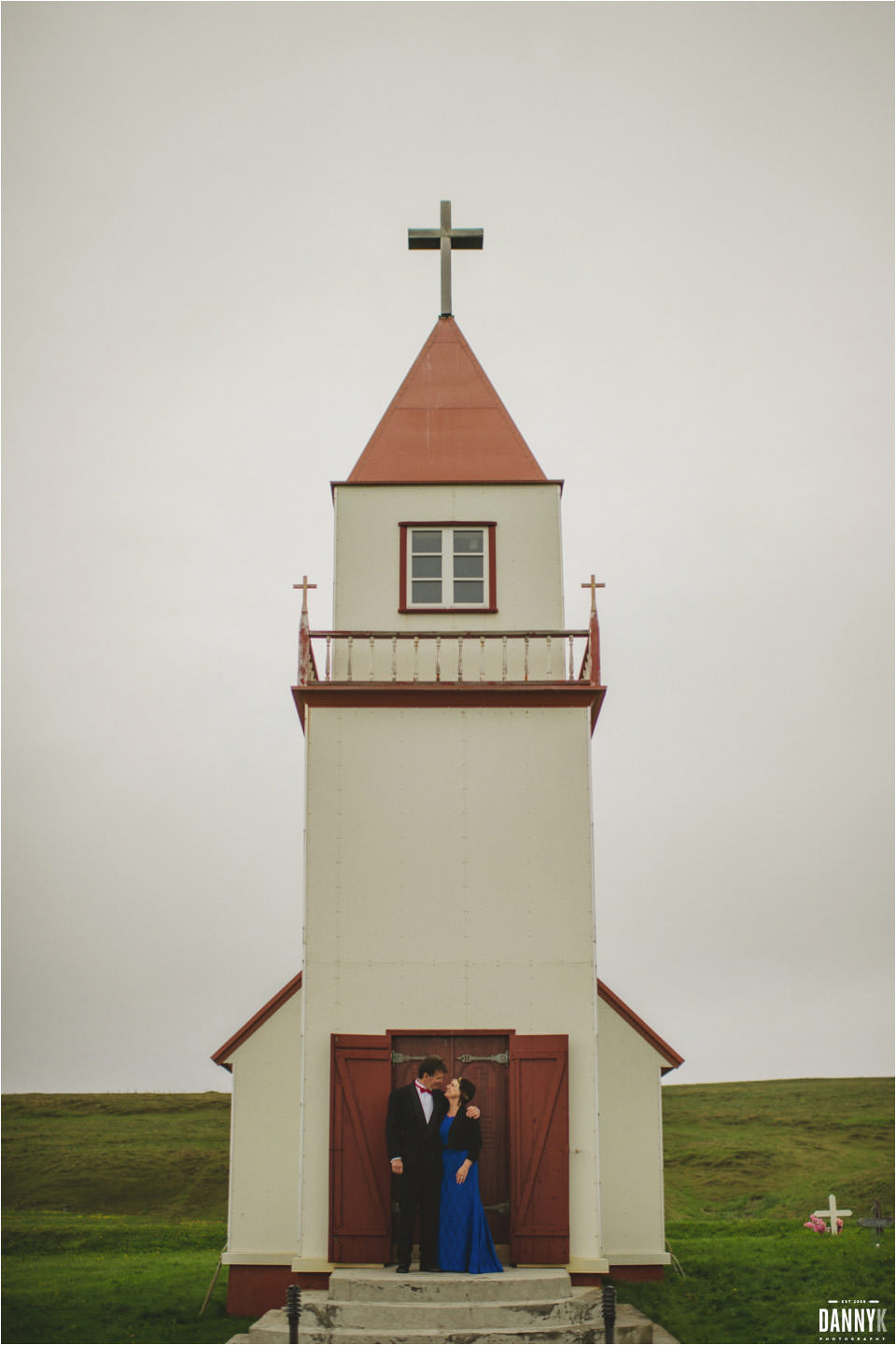 055_Grimsey_Iceland_Destination_Wedding_Photography.jpg