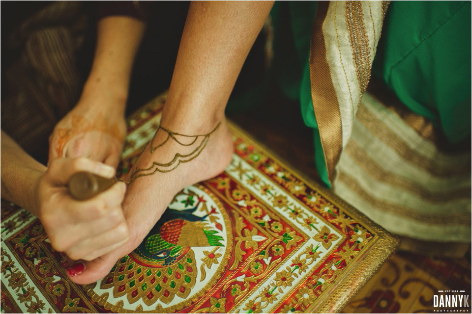 08_Hawaii_Indian_Destination_Wedding_Mehndi.jpg