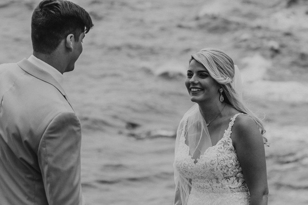 Honolulu_Hawaii_Elopement_Wedding_14.jpg