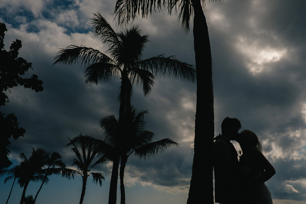 156_honolulu_hawaii_destination_wedding_photographer.JPG