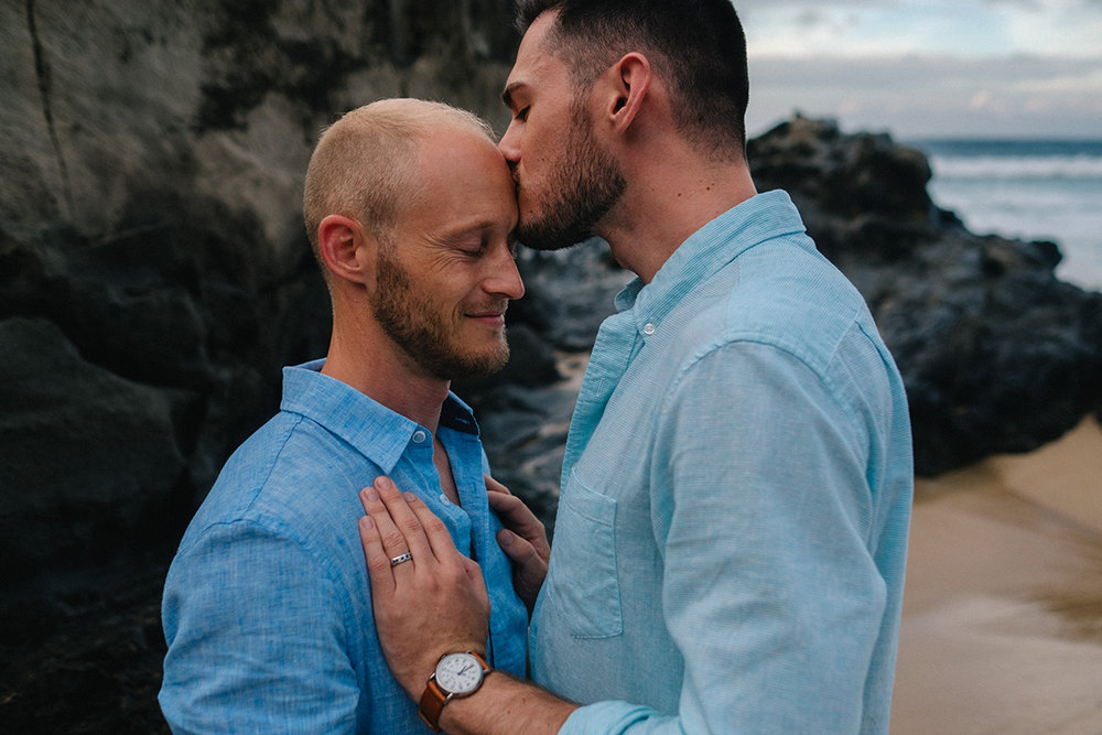 181_muai_hawaii_destination_same_sex_engagement_photographer.JPG