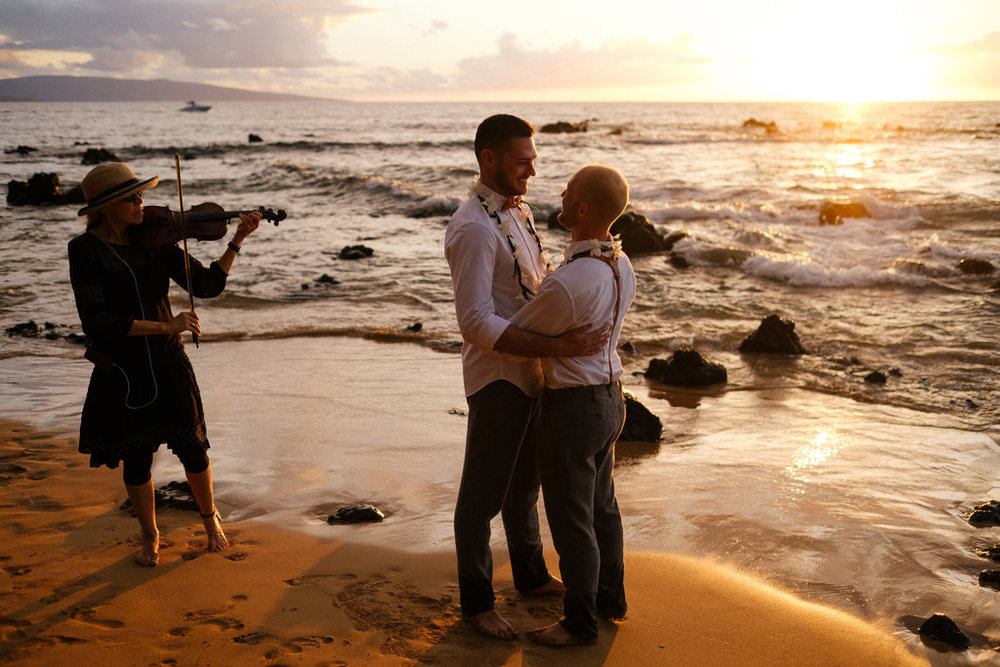 Same_Sex_Maui_Hawaii_Destination_Wedding_38.jpg