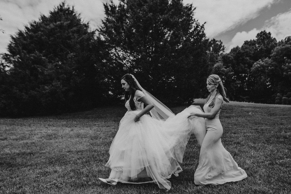 Nashville_Wedding_Photography_Mint_Springs_23.jpg