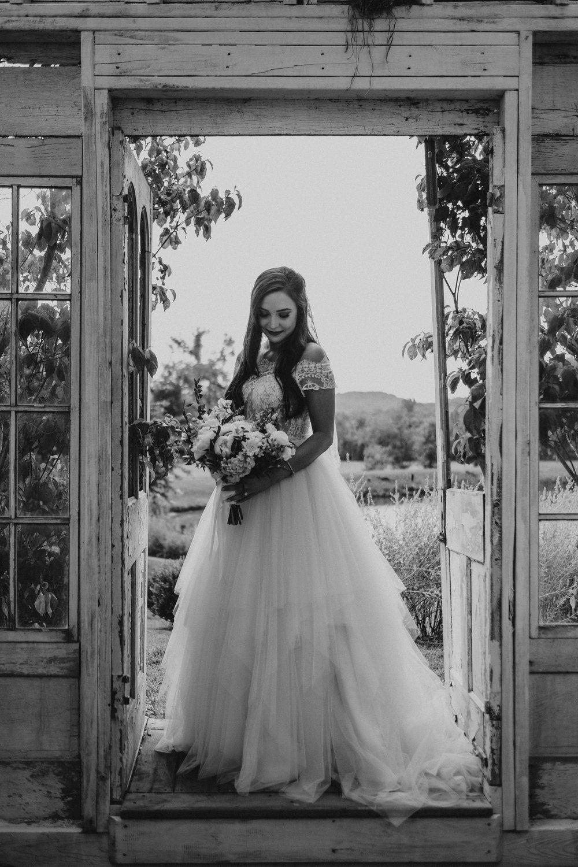 Nashville_Wedding_Photography_Mint_Springs_35.jpg